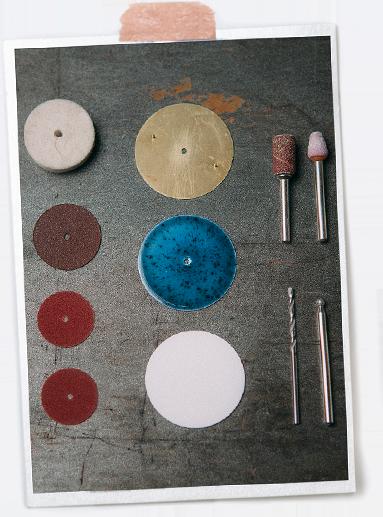 Czym się różni tarcza emaliowana od porcelanowej